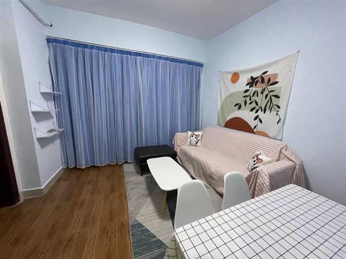 威斯广场星际公寓